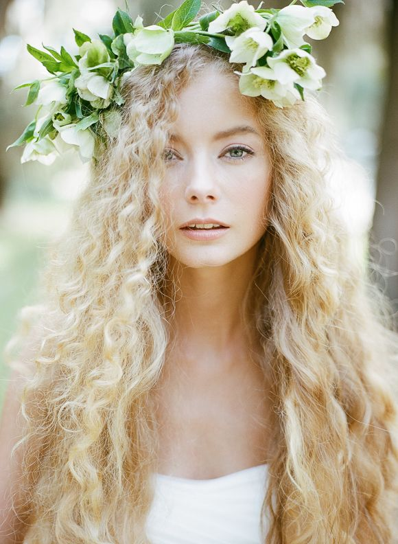 coiffure mariage blonde interesting zoom coiffure de mariage esthetique tresse romantique with. Black Bedroom Furniture Sets. Home Design Ideas
