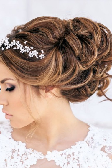 coiffure mariage cheveux longs chignon tresse. Black Bedroom Furniture Sets. Home Design Ideas